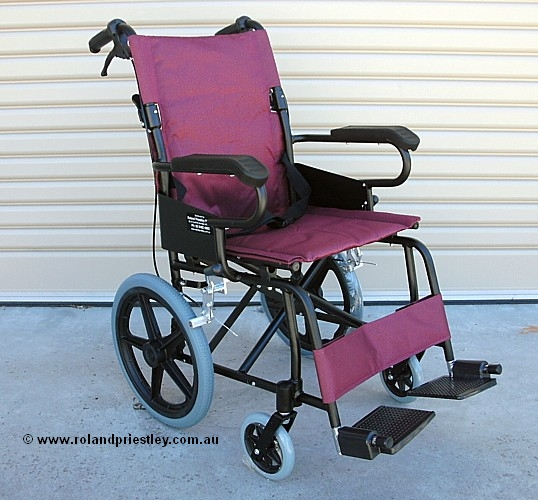 EC871L Lighweight Transit Wheelchair