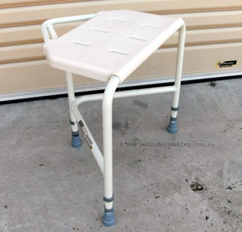 Pembury Corner Shower Stool VB636